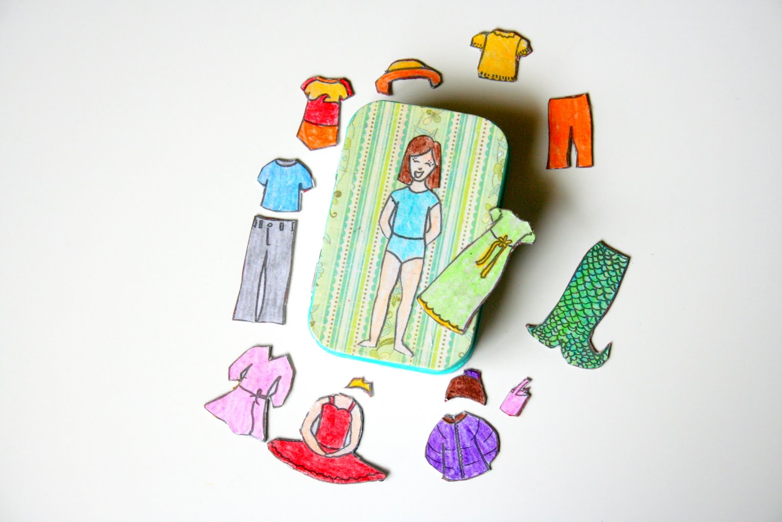 Recycled Toys: Altiods Can Magnetic Paper Doll- Happy