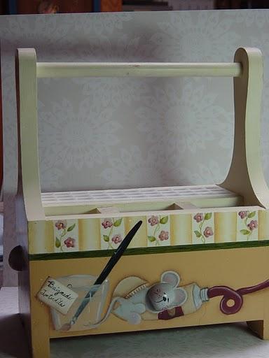 atelier bois et couleurs un joli porte pinceaux. Black Bedroom Furniture Sets. Home Design Ideas