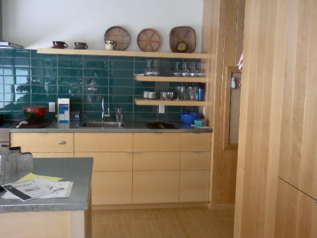 HARDWOOD DESIGN White Ash Kitchen Cabinets