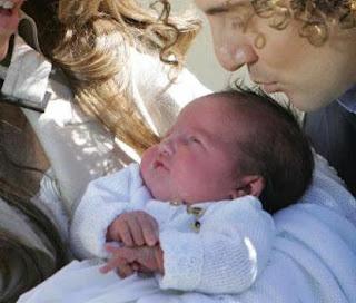 Bisbal Padrazo ¡¡ La foto más tierna ¡¡. Reitero mis Felicidades a los nuevos papás y a toda su estupenda familia.