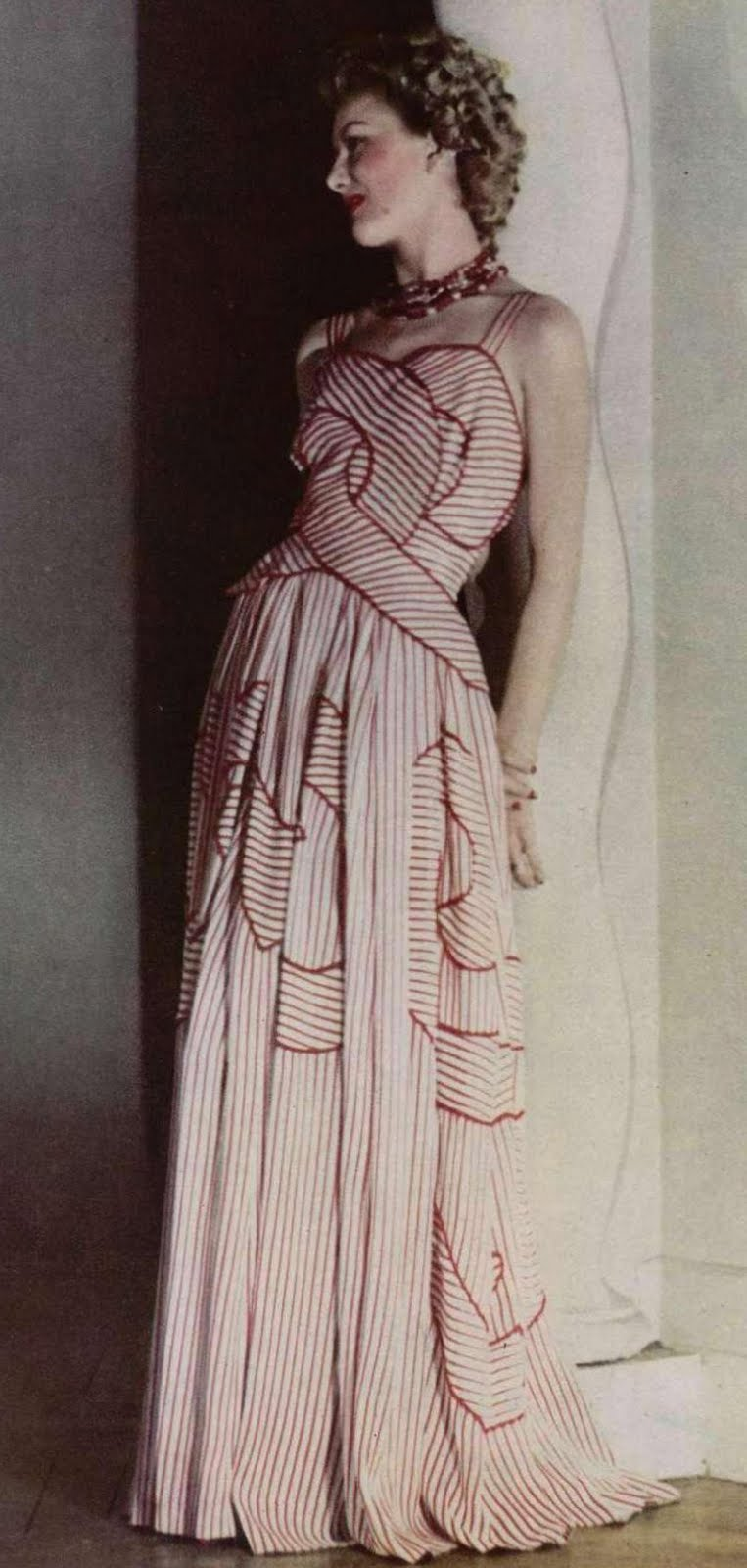 1940s Fashion: Young Woman's Wardrobe Plan