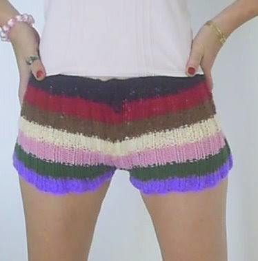 Knitting Addict: Knitted Shorts