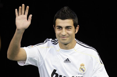 raul+albiol+real+madrid+presentation+photos+03.jpg