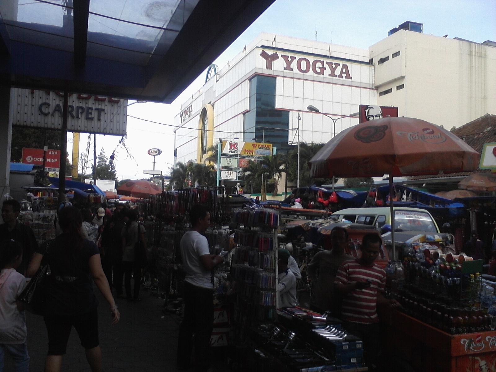 Wisata Belanja Di Bandung Kings Shopping Center
