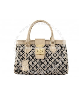 a59e13bab119 Louis Vuitton Handbag Prefall 2010 Aviator