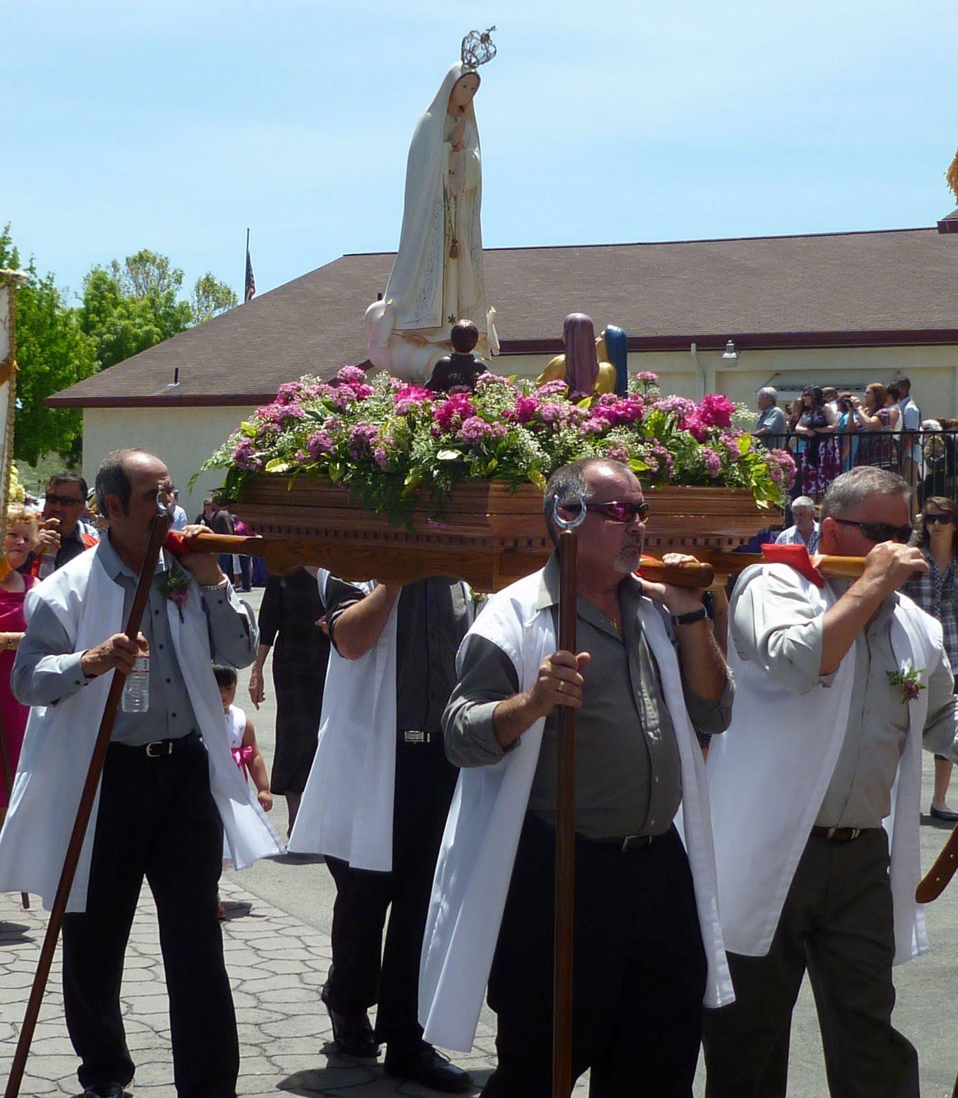 Queens Parade Portuguese Capes