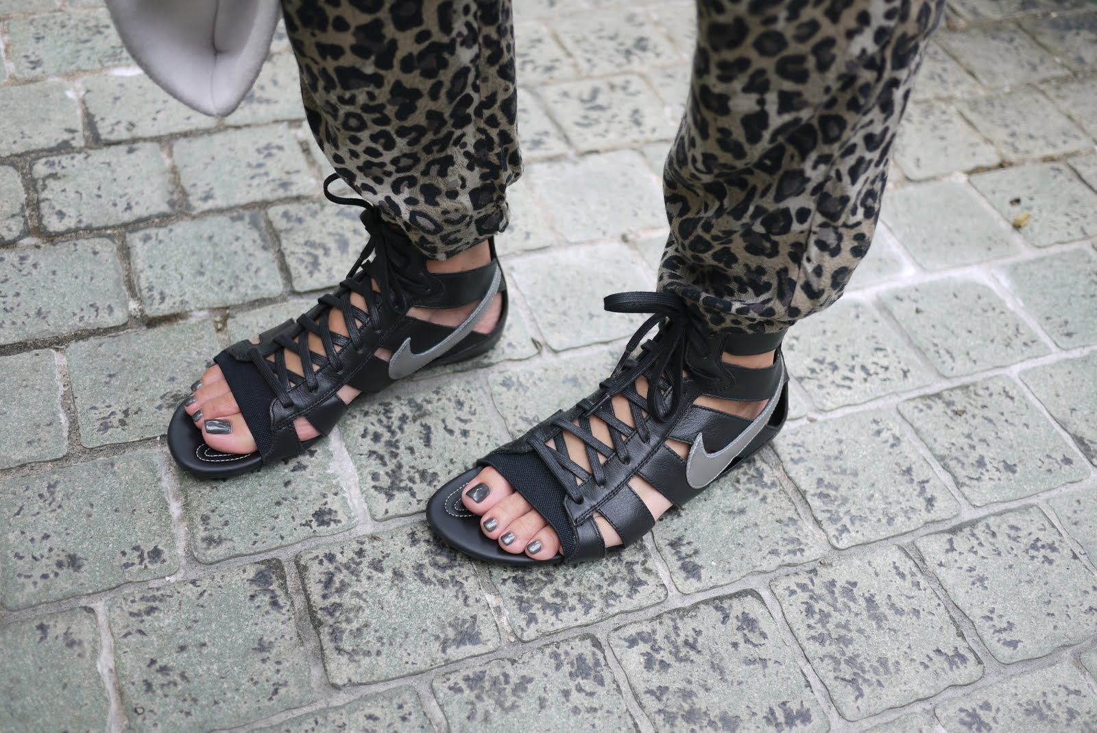 1426267d5d1d Gladiator Sandals Yahoo Answers ~ Knee High Sandals