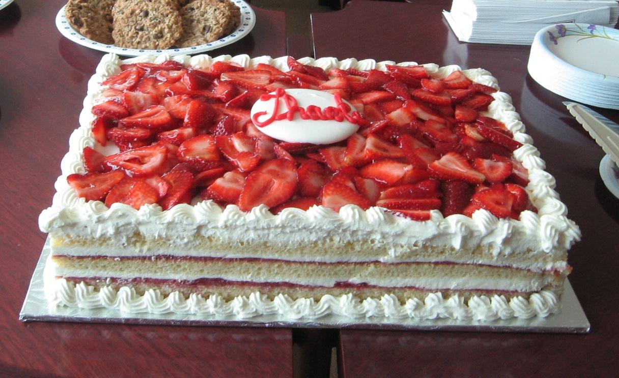 Longos Strawberry Cake