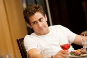 Jake Gyllenhaal in LOVE & OTHER DRUGS