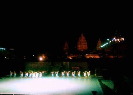 sendratari balet ramayana di Candi Prambanan