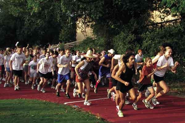 Wajib Baca !, Untuk Kamu yang Suka Olahraga Lari Di Siang Hari Ternyata Ini Ulasannya