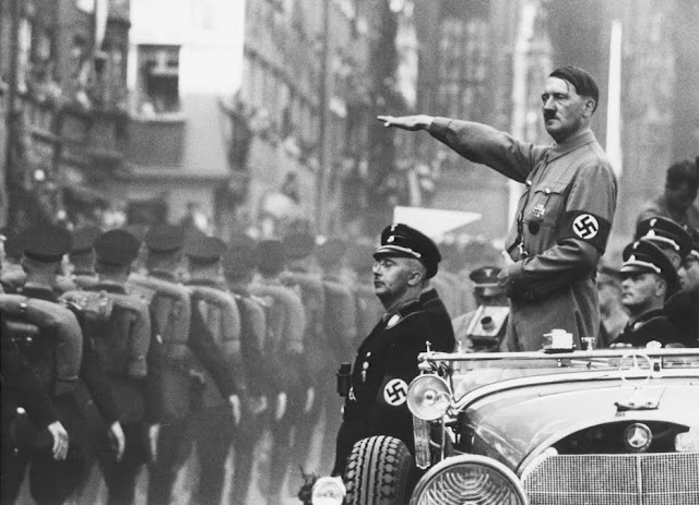 [Max+Weber+concept+of+charismatic+authority+charisma+cult+Adolf+Hitler+parade+review+from+car.jpg]