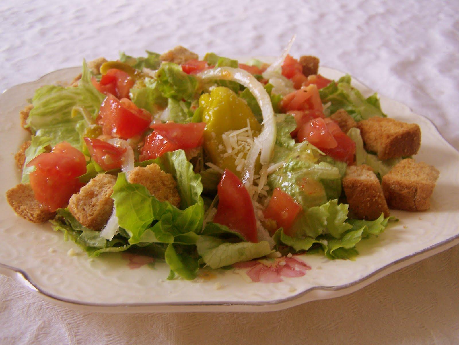 TheKitchenCookie Italian Salad