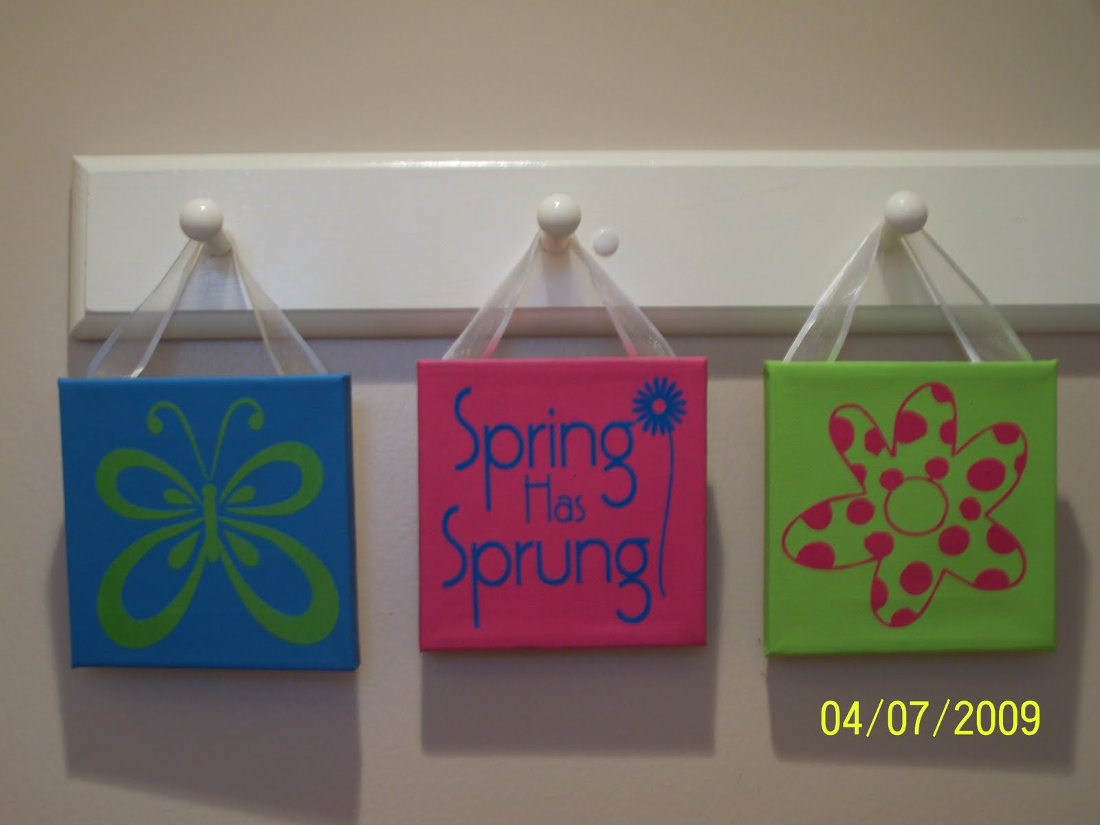 Heartfelt Wall Hangings Spring Collection