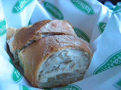 Italianni's bread