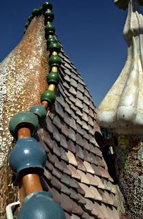 Antoni Gaud sfida alla gravit  artisti utili