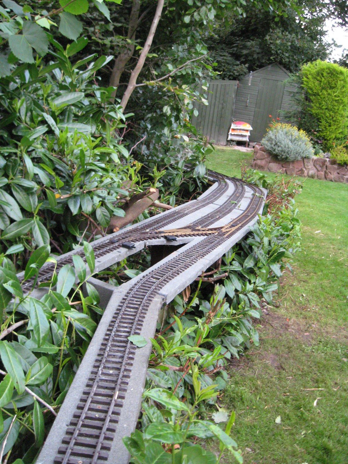 Peckforton light railway how to build a garden railway for Garden railway designs