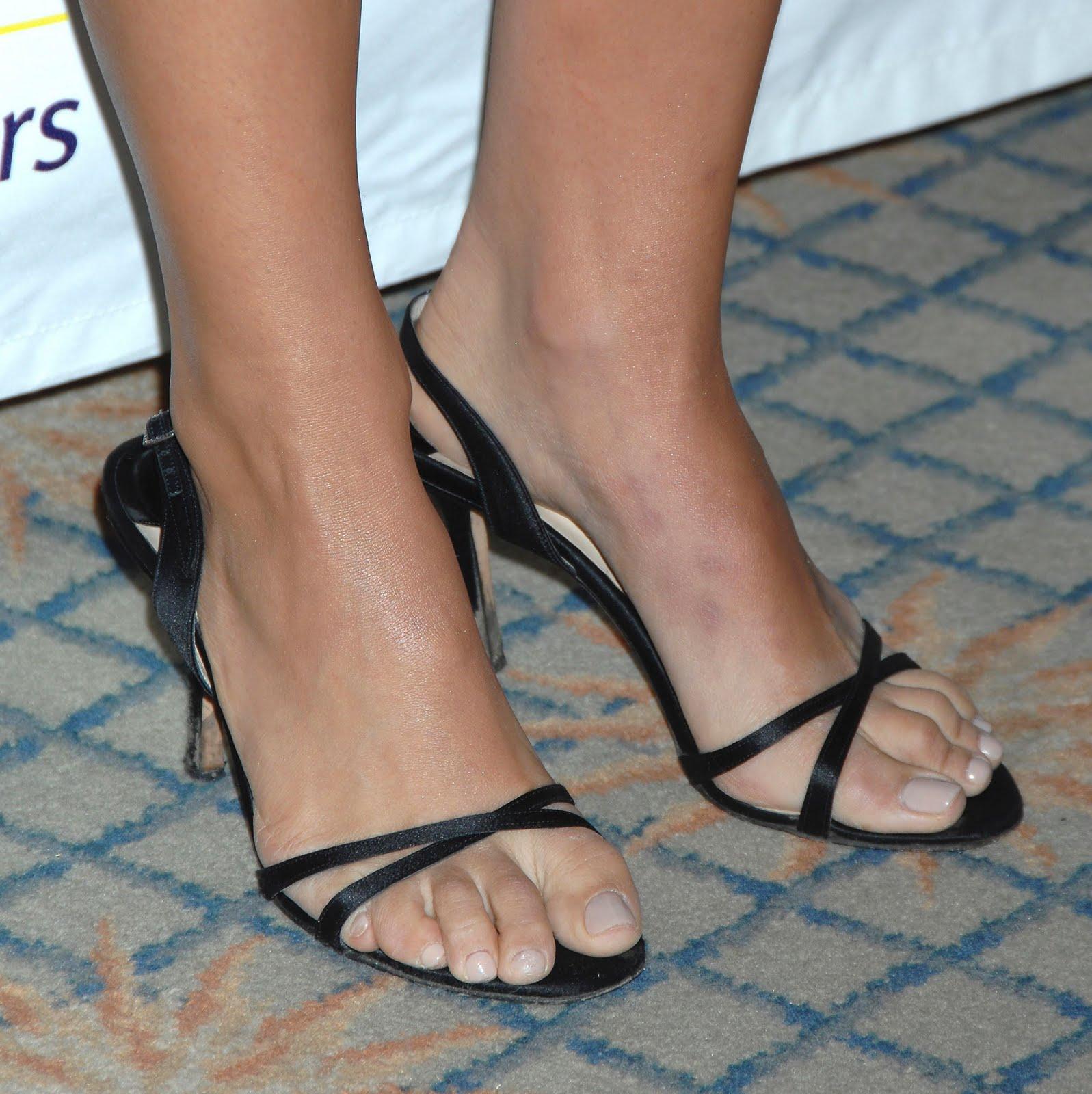 Natalie Portman Shoe S...
