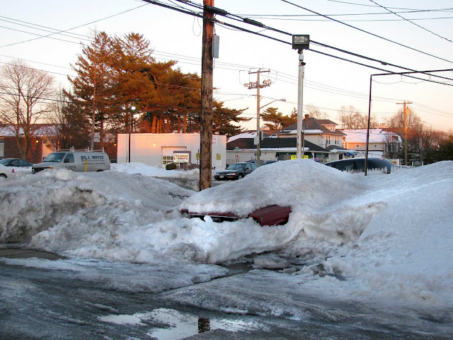 Car-Buried-in-Snow-Winter-2011