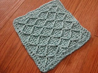 Crocheted Washcloth: Diamonds