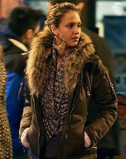 Οι πολλές στρώσεις ρούχων ενδείκνυνται για τις κρύες μέρες και βολεύουν αν  κινείται κανείς ή μπαινοβγαίνει σε χώρους με μεγάλες διαφορές θερμοκρασίας  ή απλά ... 846d7214edb