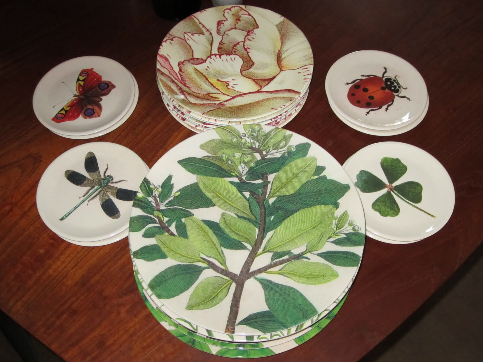 The John Derian Plates Arrived From Target 8 Small Etizer In 4 Patterns Check Salad Desserts Variations Of Candy Cane Carnation
