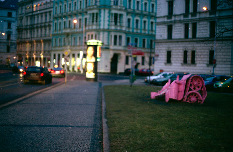 Pink tank by David Cerny in Prague