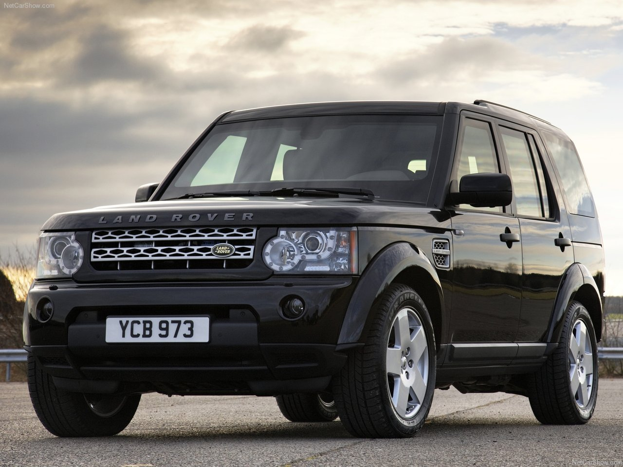 land rover auto car 2011 land rover discovery 4 armoured. Black Bedroom Furniture Sets. Home Design Ideas