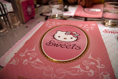 hello kitty menu, hello kitty restaurant, taiwan, taipei