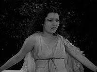 Lupita Tovar as Eva