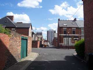 Back of Heaton Park Road