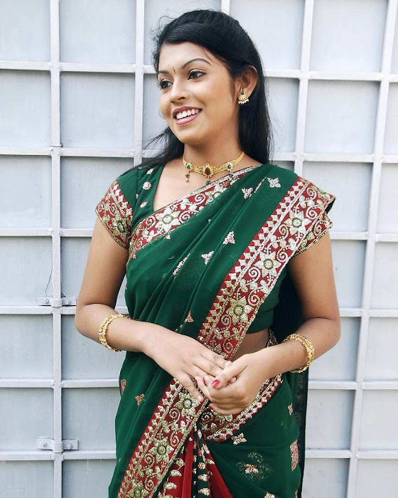 tollywood prathishta in green saree