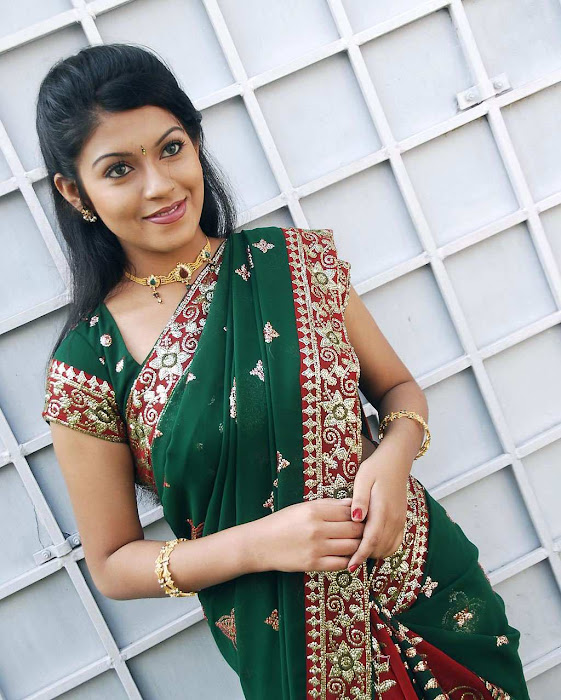 tollywood prathishta in green saree hot photoshoot