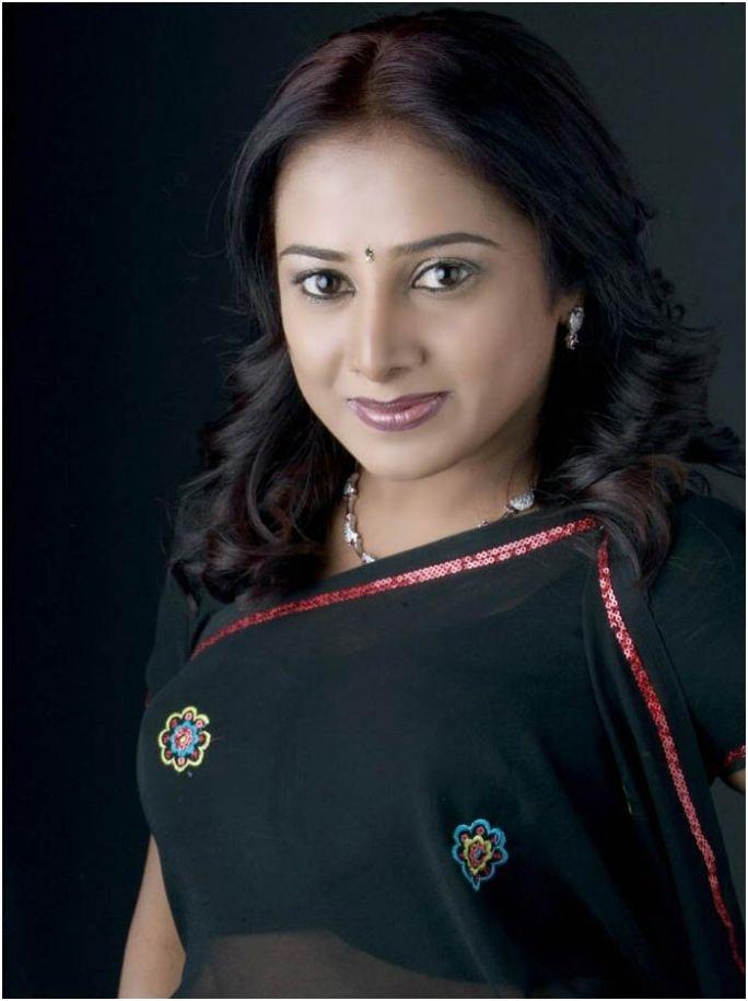 Actress gayathri nude-4368