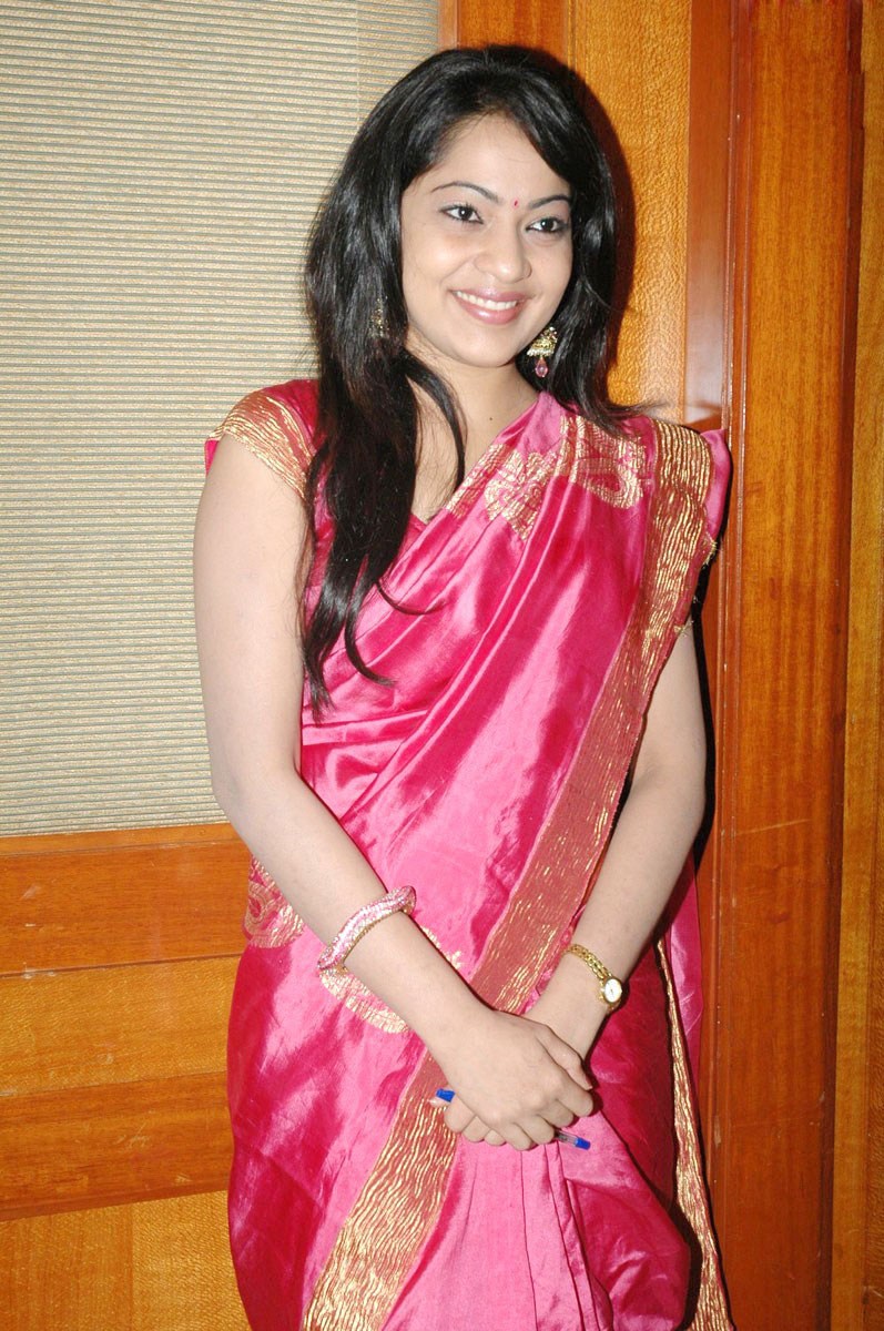 Masala Hot Actress Telugu Ramya Aunty Cute Saree Stills -8050
