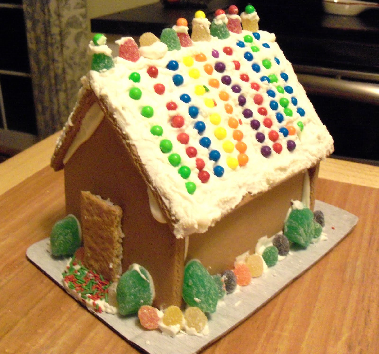 Nittany Inspirations: Deck the Halls - Gingerbread House