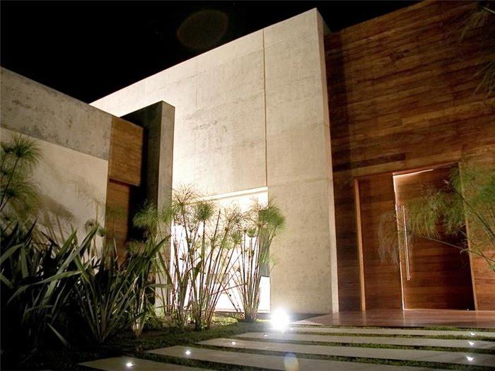 Casas minimalistas y modernas accesos minimalistas con for Casa minimalistas
