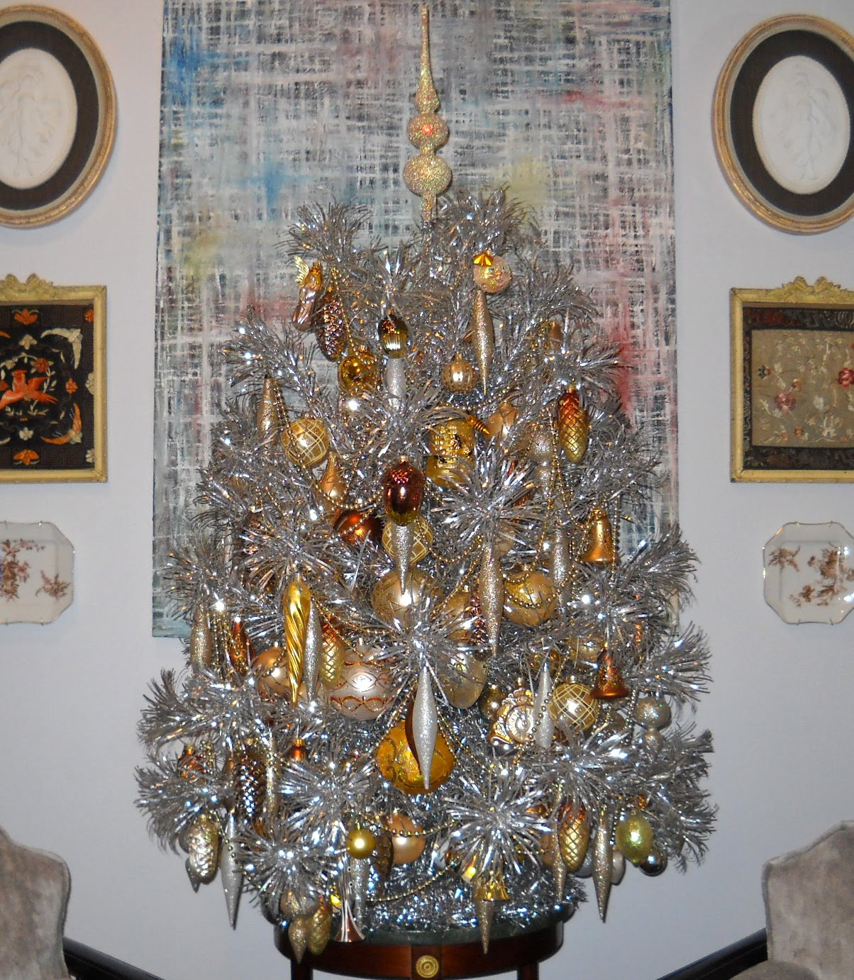 Knickerbocker Style & Design: Trimming the Tinsel Tree