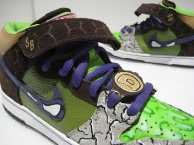 check out dd3e1 ee2ff ... best nike dunk incredible hulk edition shop lebron james shoes 190ce  ca288