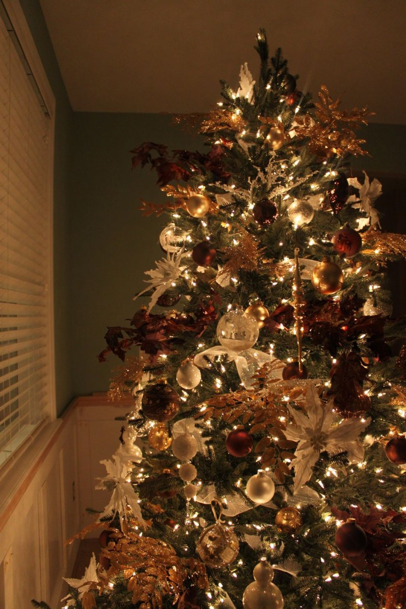 The Sweet Survival: Rustic Glamour Christmas Tree