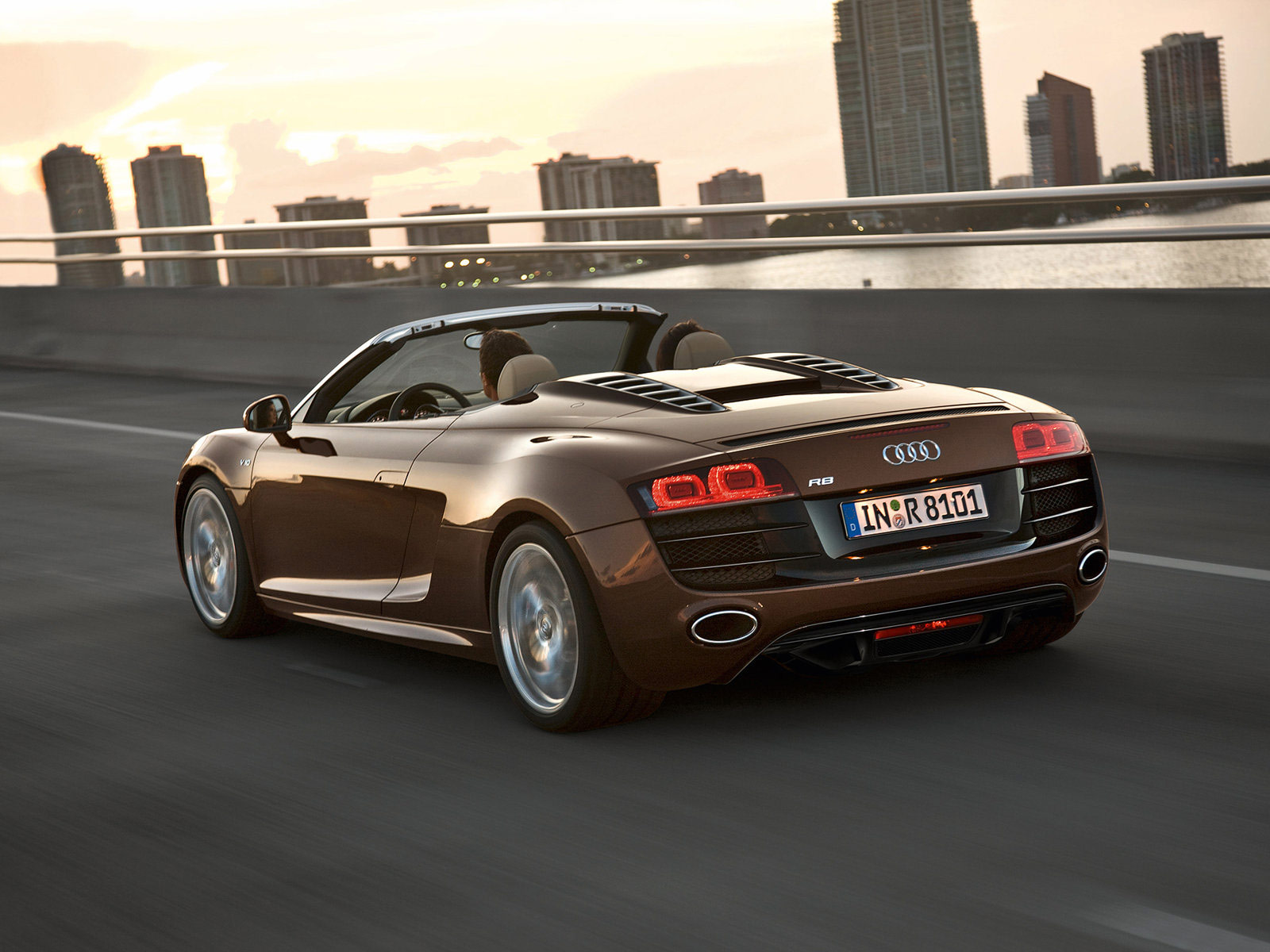 2011 AUDI R8 Spyder 5.2 FSI Quattro Auto insurance