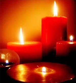 Las velas son un excelente componente para los masajes sensuales