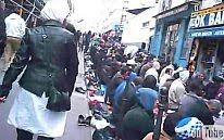 Paris: Muslims at prayer