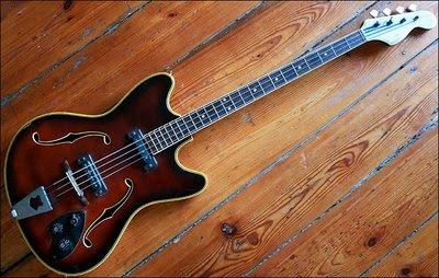 guitar blog semi hollow musima migma bass. Black Bedroom Furniture Sets. Home Design Ideas