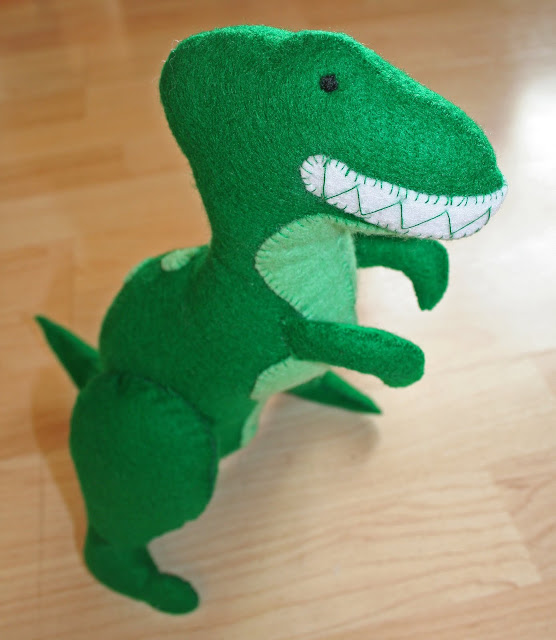Felt Dinosaur Toy Full View free pattern