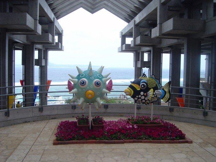 [Image: okinawa_churaumi_aquarium_12.jpg]