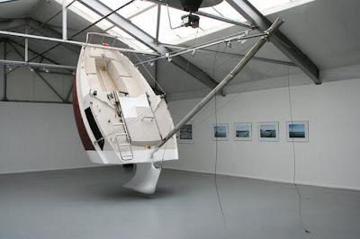 [Image: sunken_yacht_04.jpg]