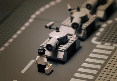 [Image: Lego_Real_life_04.jpg]