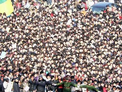 [Image: job_fair_in_china_09.jpg]