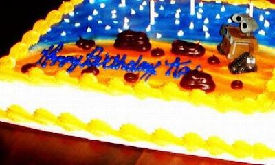 [Image: worst_birthday_cakes_15.jpg]